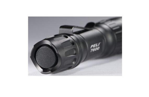 peli-7600-super-bright-led-torch-tactical-1024x648